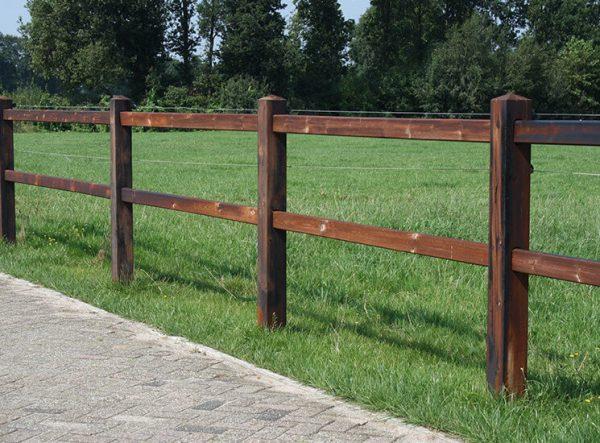 Pferdezaun aus Holz, Koppelzaun, Weidezaun, Holzzaun