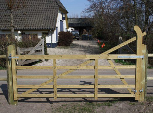 Englisches Einfahrtstor aus Holz - Weidetor