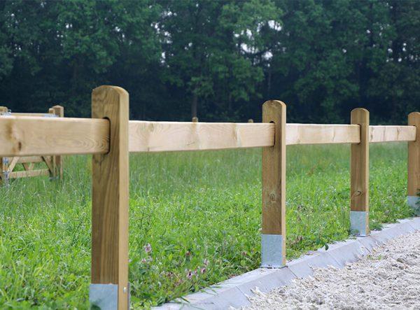 Dressurviereck aus Holz - Dressurplatz Begrenzung